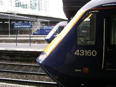 ロンドン・パディントン駅に到着