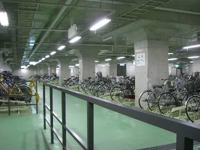 地下自転車置き場