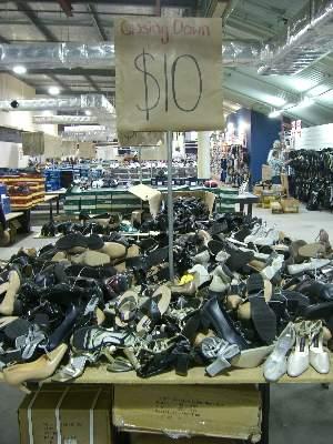 $10.00- 靴