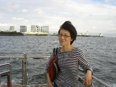URBAN な船旅を楽しむ妻