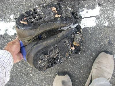 崩壊する登山靴...