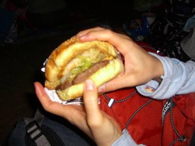 MEAN GENE'S BURGERS のハンバーガー