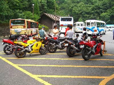 集まったオートバイ