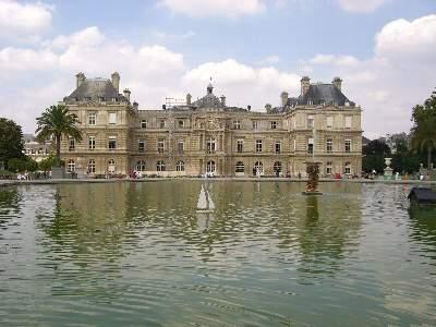 リュクサンブール宮殿 (現在は国会議事堂でもあります)