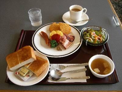 ホテルの朝食 (洋食パンセット)