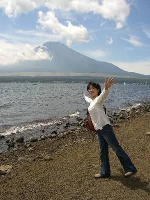 富士山と山中湖と妻