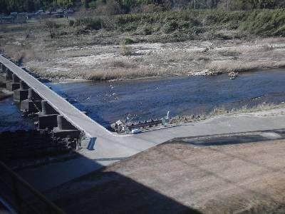 伊勢石橋駅近くの雲出川にかかる沈下橋