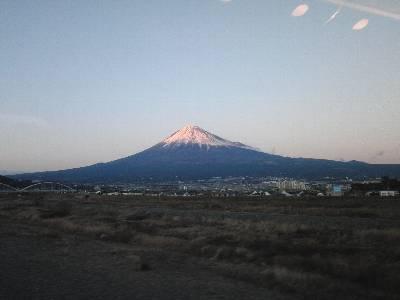 富士山 (新富士駅到着直前、富士川橋梁から)