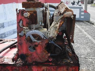 崩壊した給油機