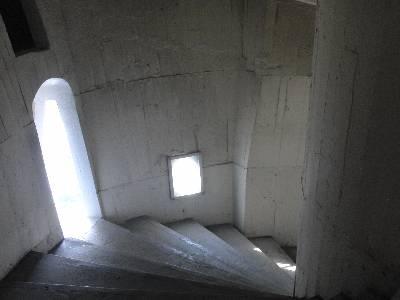 東京湾観音内部の螺旋階段