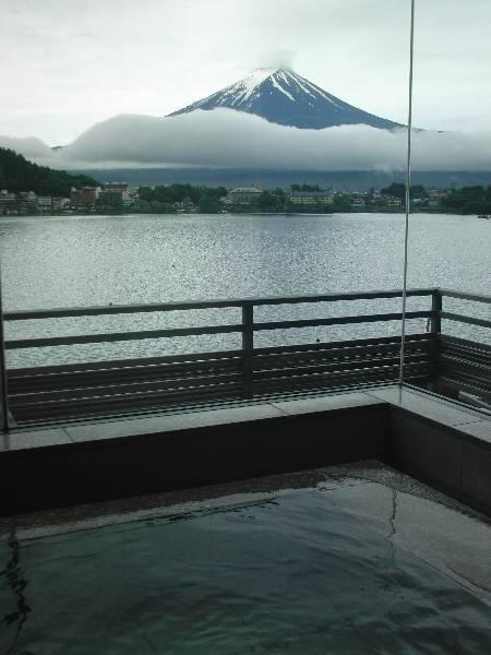 湖山亭うぶや大浴場からの富士山