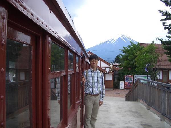 モ 1 号と富士山
