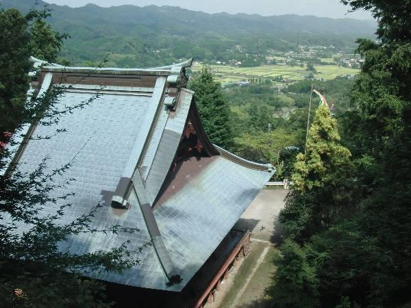 大山不動尊本堂の大屋根