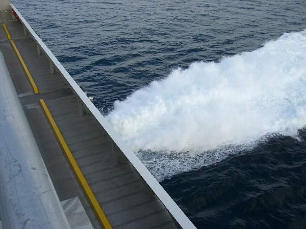 フルパワーになってからの波の立ち方