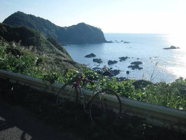 下り坂途中の日本海側の景色