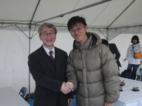 JAXA の川口淳一郎教授と記念写真