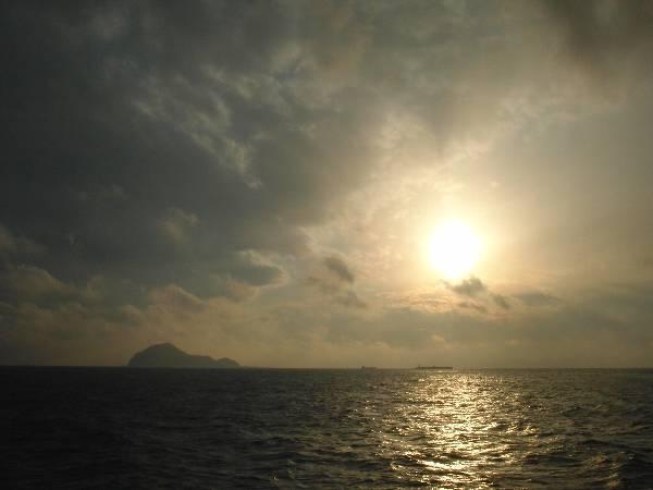 神島と海と夕日