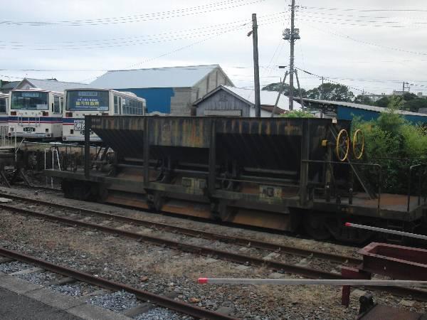 那珂湊駅構内に留置されたホッパー車