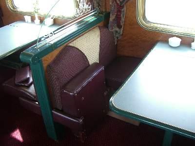Queen Adelaide Restaurant の座席