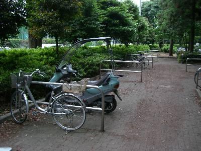 淵野辺公園駐輪場のキャビーナ