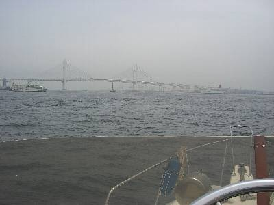 横浜ベイブリッジとにっぽん丸