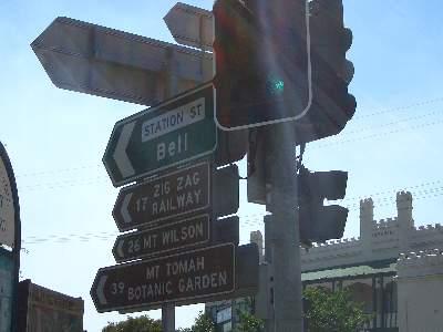 Mt. Victoria の交差点の標識