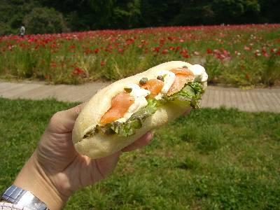 サーモンとクリームチーズのチャパタサンドイッチ