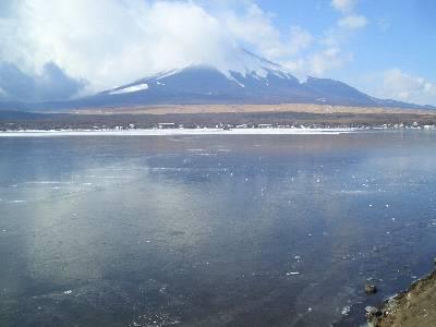 2 日目の山中湖から見た富士山